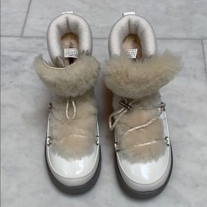 NEW UGG BOOTIES CREAM PATENT LEATHER W/SHEARLING